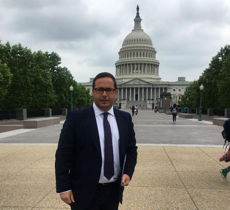 Agustín Almodóbar en Washington